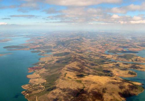 Planície no lago de Furnas em Minas Gerais