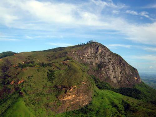 Pico da Ibituruna em Governador Valadares
