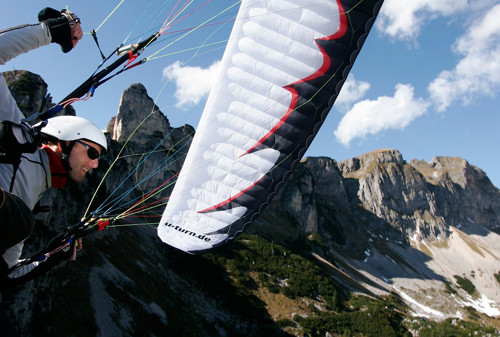 Wing Over Câmera Abordo no Joelho